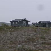 einsame Hütten auf der Ebene