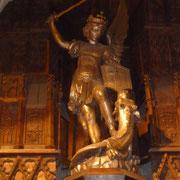 Statue des Erzengels Michael