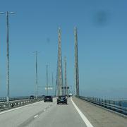zuerst geht es über die Öresundbrücke ...