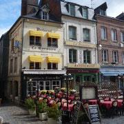 die Franzosen essen immer sehr spät ... es wird noch voller
