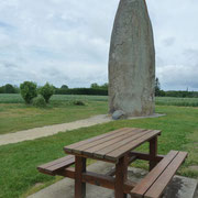 der Menhir de Champ Dolent