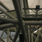 die Stahlkonstruktion aus Röhren