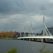 eine Brücke im Ort an der Musikschule