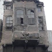 baufälliges altes Haus in Midan