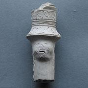 Dik steel fragment van een Presentatie pijp, puntneus gezichtje onder 'hoed'