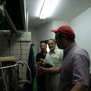 醸造の仕組みを説明するブリュワー