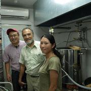 醸造所内で記念撮影