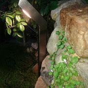 Lampe aus Edelstahl