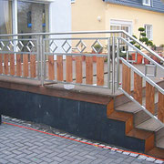 Terrassengeländer mit Treppenaufgang - Edelstahl in Verbindung mit Holz