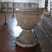 An diesem Taufbecken wurde Johann  Sebastian Bach getauft.
