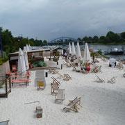 Strandbaar an der Elbe