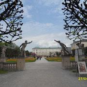 Der Eingang zum Mirabell Garten in Salzburg