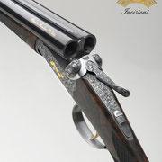Ripa incisione manuale di lusso, ornato con rimesso in oro, bulino, punta e martello, bascula fucile da caccia