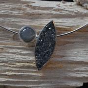 Silberanhänger mit Kristallachat und Mondstein