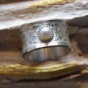 Silberring mit Perle