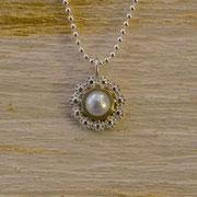 Silberanhänger mit in Gold gefasster Perle