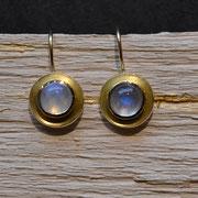 750/- Gelbgold-Ohrhänger mit Mondsteinen