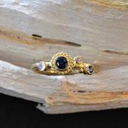 750er Ring mit Safir, Mondstein, Brillant