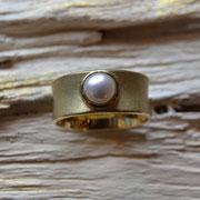 585er Gelbgoldring mit SWZ-Perle