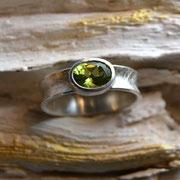 Silberring mit Peridot