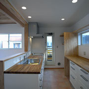 2階キッチン奥にバルコニー