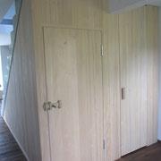 Wandvertäfelung Weißtanne mit integrierten Türen - Unterwaldhausen