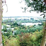 Vue de la Vallée du belvédère du camp CESAR à CHIPILLY