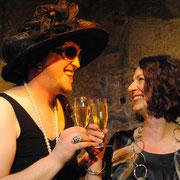 """Hanuta Gonzales und Ursula Gumbsch in """"Shades Of Schmalz 3 - Gnadenlos!"""""""