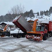 Schneeabkippstelle Schlosskopf, U530, Steyr 6190 CVT mit Hängerfräse