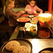 Pizza und Brote für den Holzbackofen