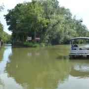 Der natürliche Flusslauf und die Schleusen der Seille sind einen Bootsausflug wert