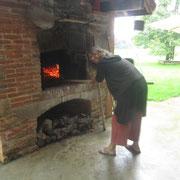 Und ab die Pizzas in den heissen Ofen