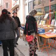 Auf dem Büchermarkt in Cuisery