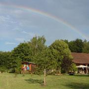 Ein ganzer Regenbogen über Maison Libellule