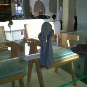 """""""Entre les main d'un autre""""  Sculpture Céramique de Juan José Ruiz dit CACO artiste/auteur sculpteur"""