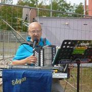 Musikalisch umrahmt wurde die Veranstaltung von Edgar Thomann