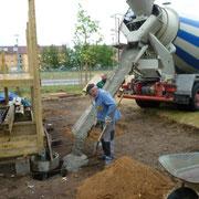 Herstellen und Gießen der Fundamente