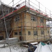 Eingegrüstetes Objekt zur Fassadensanierung Dani Vogt D. Vogt Holzbau GmbH CH 8855 Wangen SZ