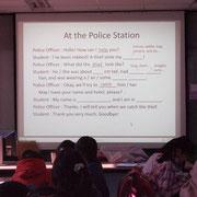 今度は警察署で行う授業だよ。先ず良くみて!