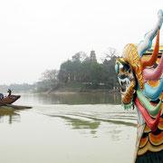 auf einer Drachenboot-Fahrt