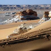 """Am Übergang zwischen Sandwüste und """"Weißer Wüste"""""""