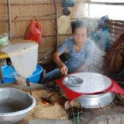 Reisfladen-Bäckerin