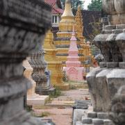 Kambodscha, in einer Tempel- und Gräber-Anlage