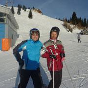 Helga und Monika stehen schon bereit