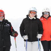 der Skilehrer mit den hübschen Mädels
