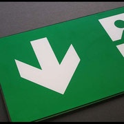 Notausgangschild PMMA 2-farbig bedruckt Weiss/Grün transparent