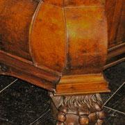 Detail voet; leeuwenpoot