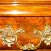 Detail schuif met bronze schuifopeners