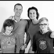 bsafoto, bsafoto.com, Lifestyle, familiefotografie, familieportret, oosterhout, fotografie, fotograaf, studio,  familie, Een vrolijk portret waar iedere opa en oma jaloers op zal zijn!