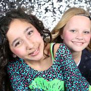 kinderfeestje fotoshoot Glamour Fotoshoot; Vriendinnen Fotoshoot, kinderfeestjes, feestje oosterhout, make-up feestje,  make-up, beautyparty, tienerfeestjes, Glitter en glamour feest, bsafoto.com, fotostudio, bsafoto,